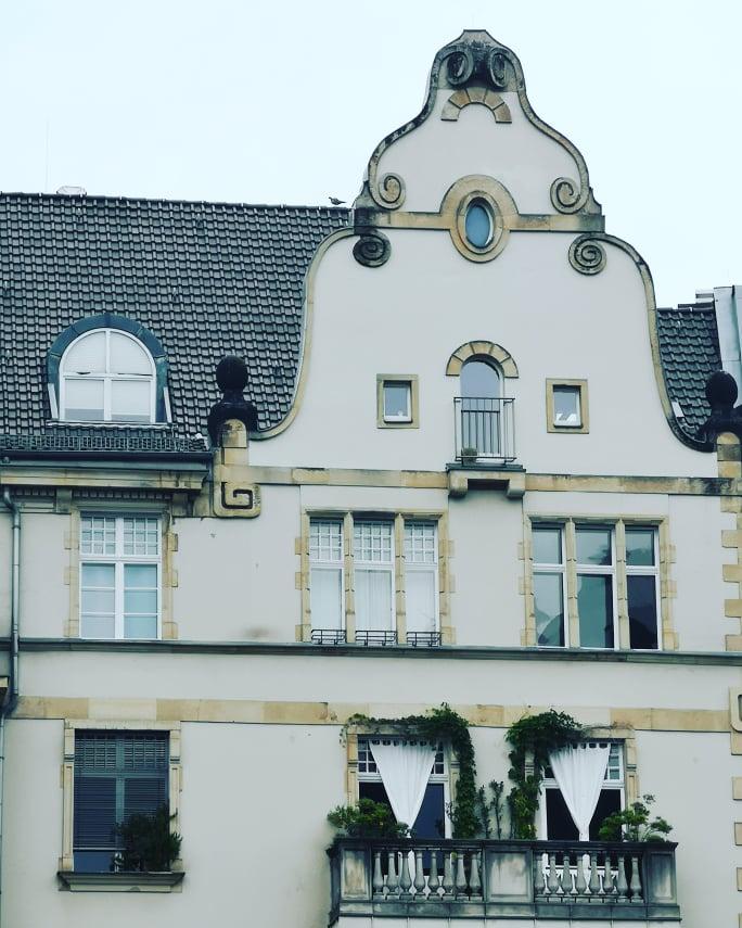Ce ar putea învăța bucureștenii de la berlinezi - balcoane aranjate