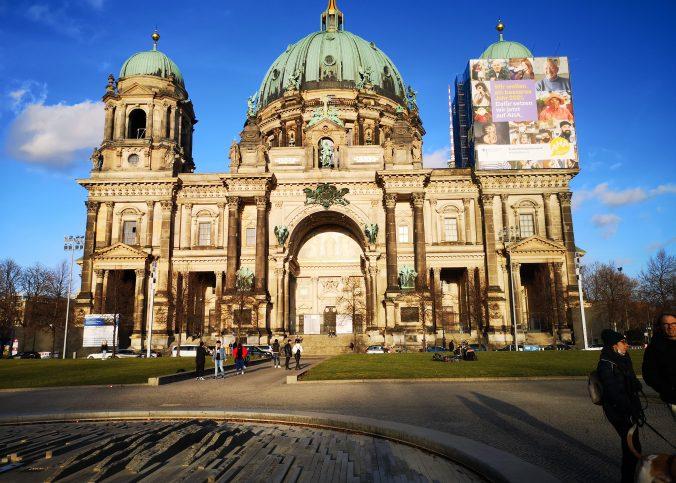 Ce ar putea învăța bucureștenii de la berlinezi - Berliner Dom